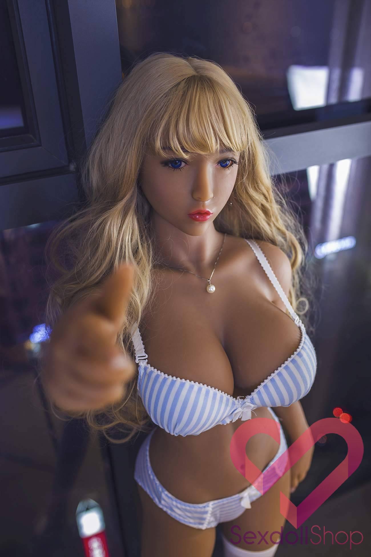 Трахаютия в жопу порно